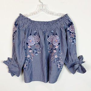America Eagle | embroidered 3/4 sleeve blouse XS